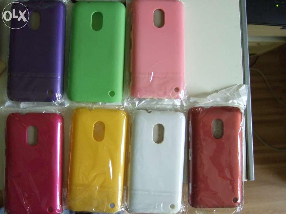 Huse spate Nokia Lumia 620 (plastic catifelat)