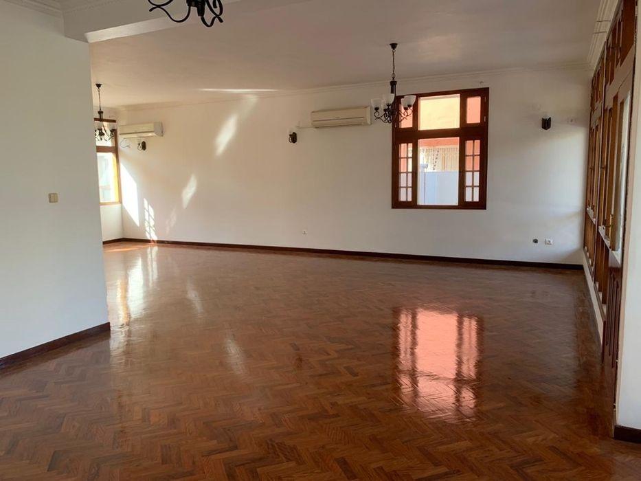 Na Sommerchield II, Moradia T4 (2 suites), 2 WCs, Piscina, Jardim, C Sommerschield - imagem 4