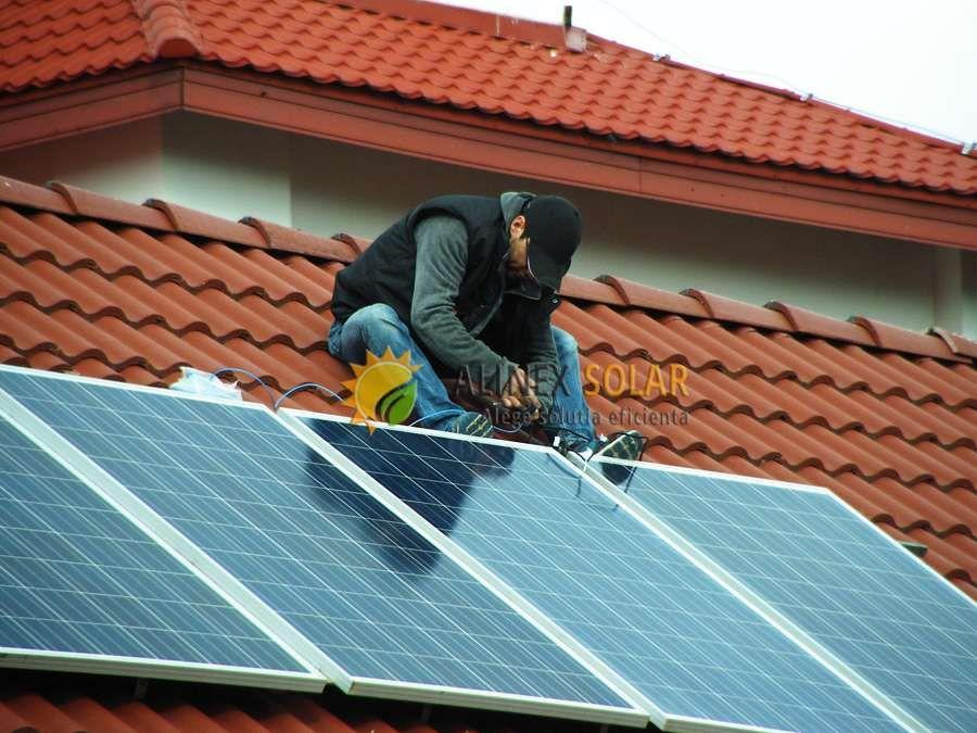 Panou solar fotovoltaic kit 750W la cheie