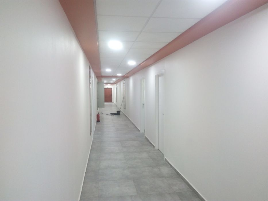 Vende-se Escritório de 100 m2 em Talatona