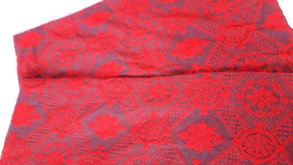 Покривка за легло от тъкана вълна