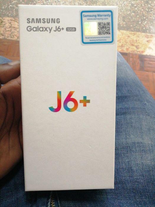 Samsung j6plus dous Selados