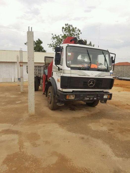 Camião Grua Mercedez benz 2500 toneladas