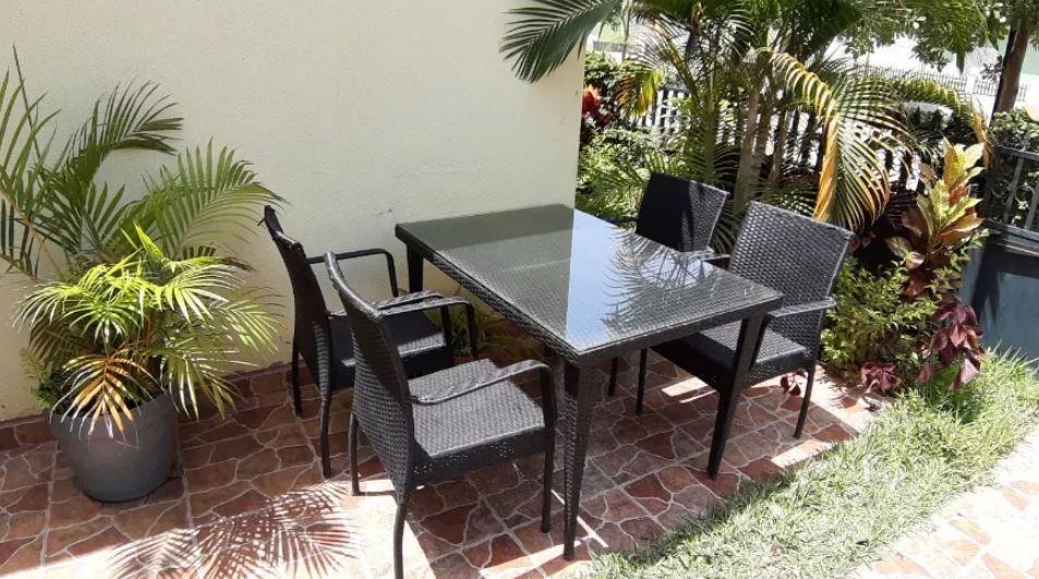 Mobilia de jardim mesa com 4 cadeiras