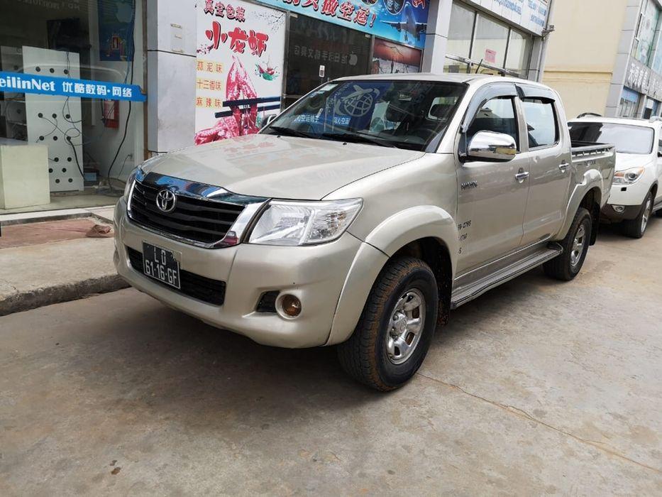 Vendo Toyota hilux limpa diesel