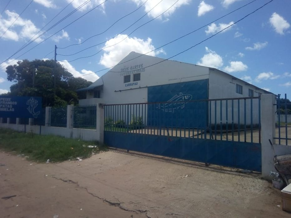 Vende se armazém na avenida de Moçambique