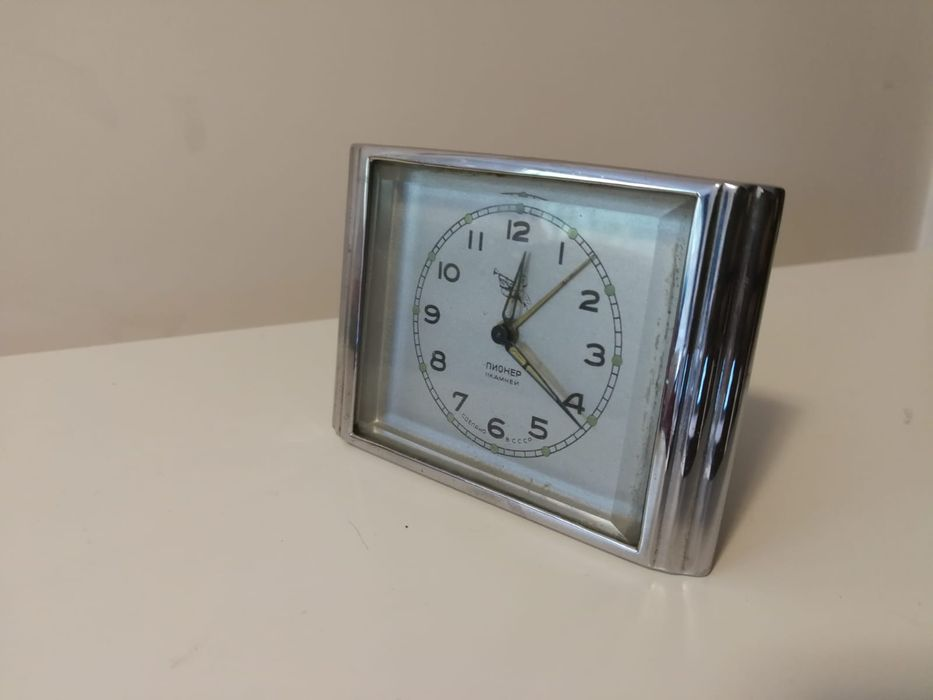 Часовник Пионер- Промо 35 лв