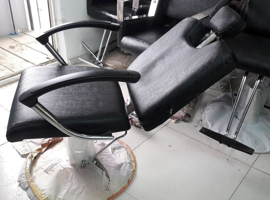Кресло БАРБЕР с откидываемой спинкой по РК
