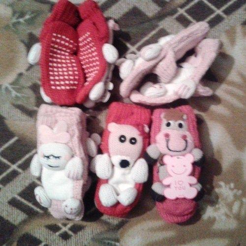 Теплые носочки с игрушкой и анти скользящей подошвой