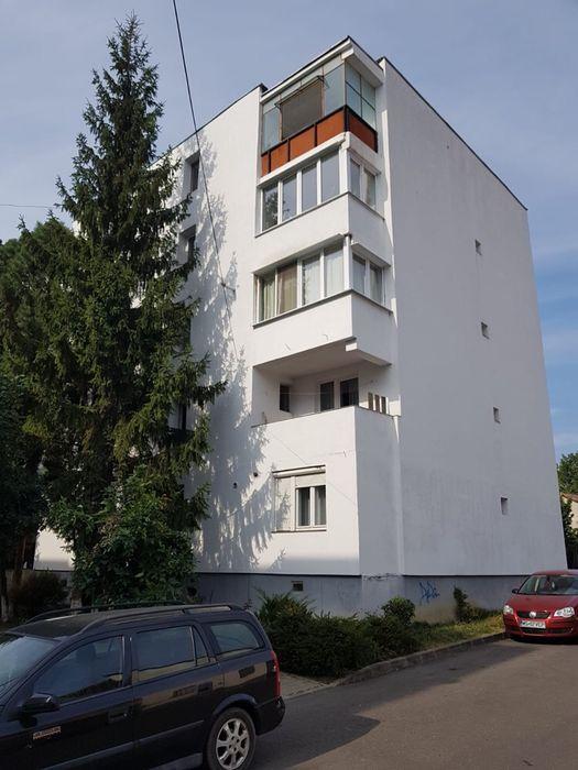 Vanzare  apartament  cu 4 camere  decomandat Mures, Reghin  - 58000 EURO
