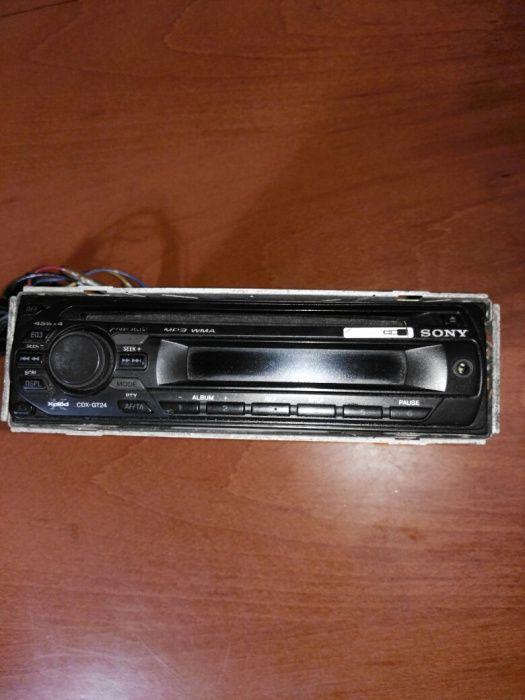 Продава радио плеър Sony model no.CDX -GT24