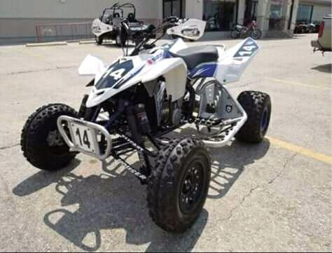 Moto de 4 rodas