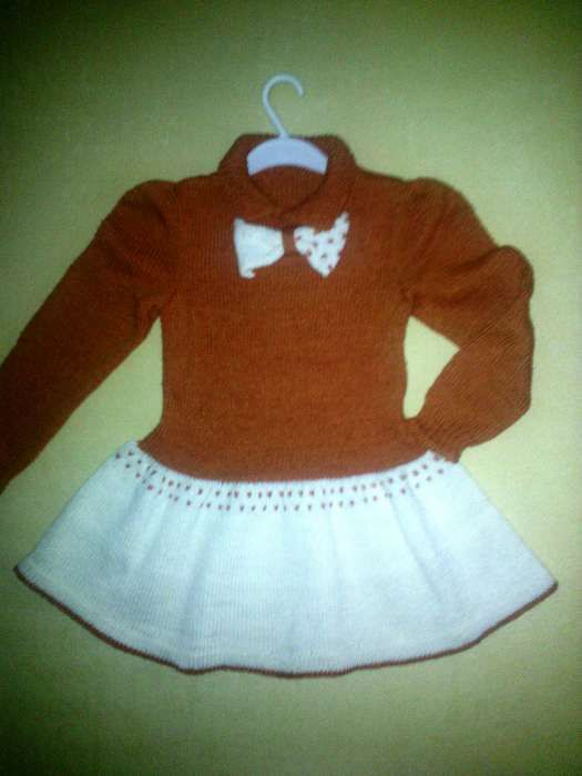 rochita fetita, 4-5 ani, tricotata manual, unicat