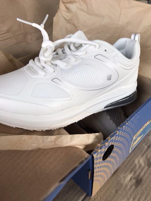 Adidași shoes for crews
