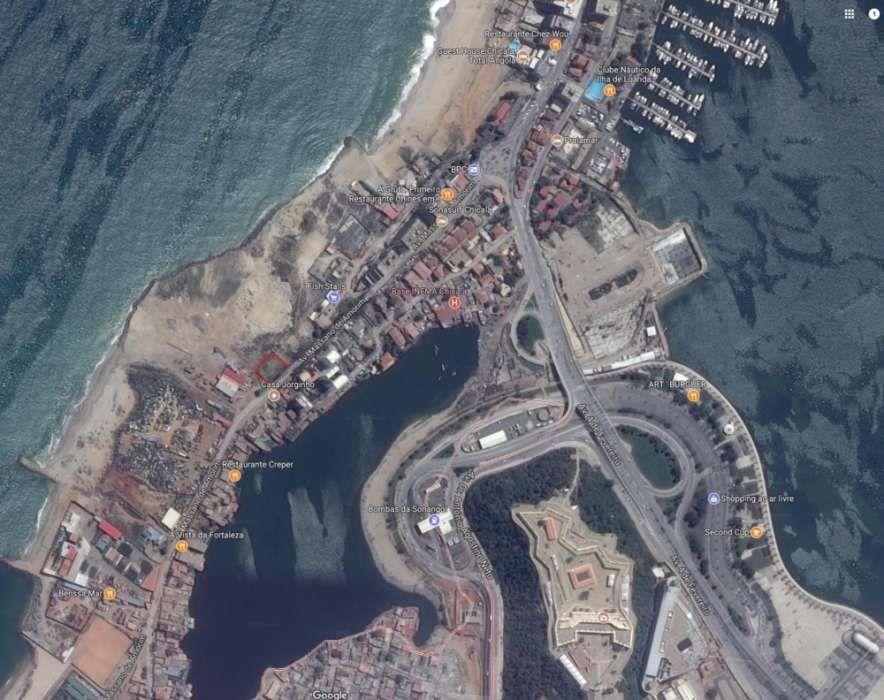 Terreno com 1209,179 m2, localizado na Chicala I, frente mar, com dire