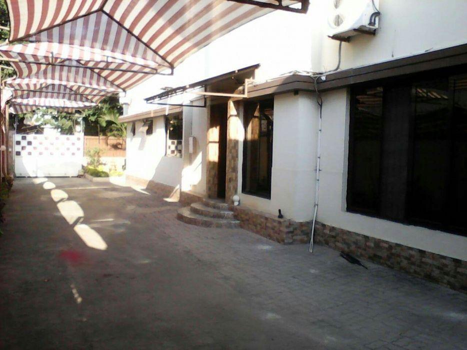 Vendo Moradia Tipo 3 próximo ao Hospital Central, Rua Camba Simango