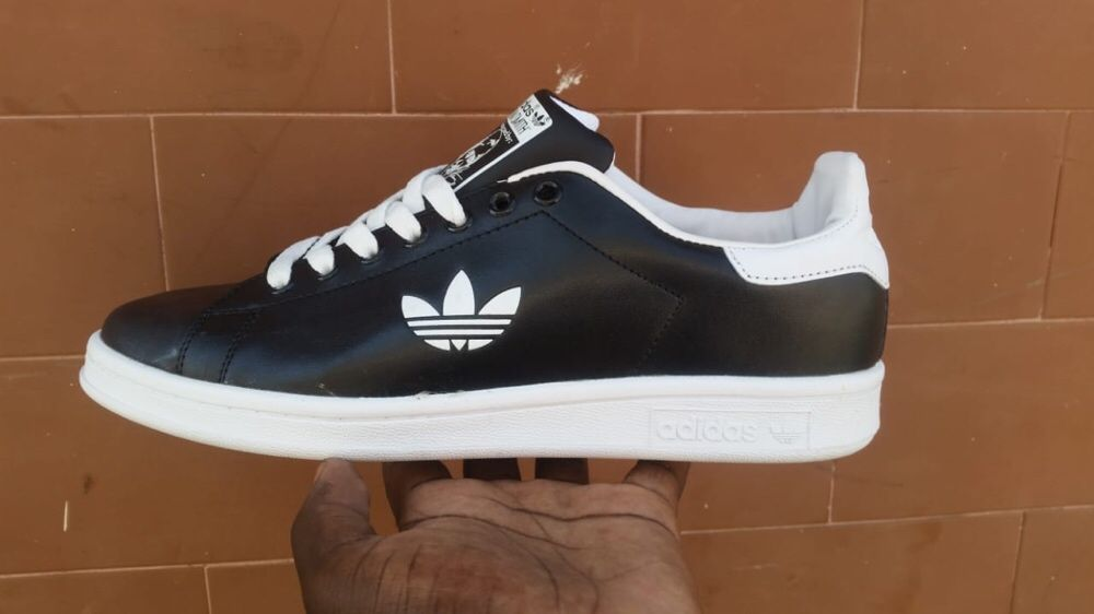 dc8c5258d89 Adidas Stan Smith A Venda Na Boutique Rb Angola Puxa No WhatsApp Para Vila  Alice