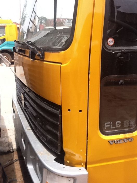 Caminhão Volvo FL6