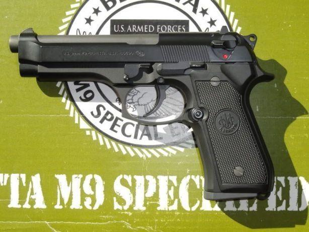 Pistol Airsoft (CALITATE BUNA) FULL METAL, Cu Recul Gaz Coz Taurus