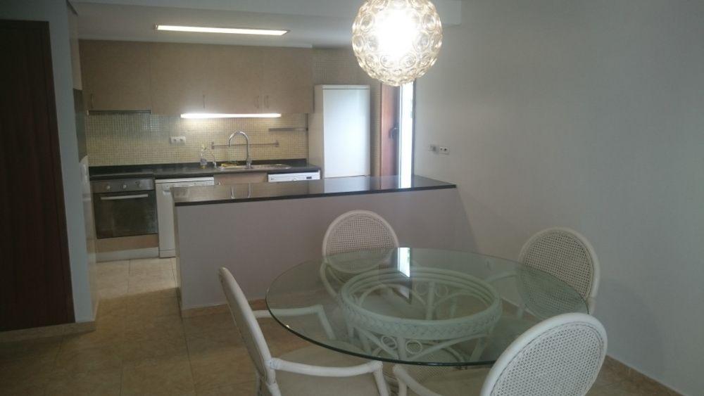 Vende-se Apartamento T3 no Condomínio Residências de Talatona