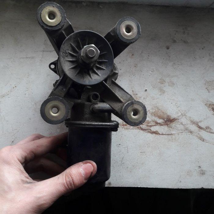 Продам мотор стеклоочистителя от Nissan cefiro A33