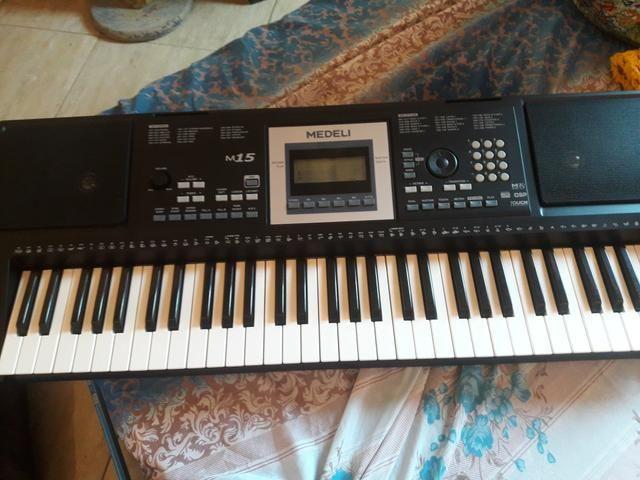 Piano Medeli M15 novo