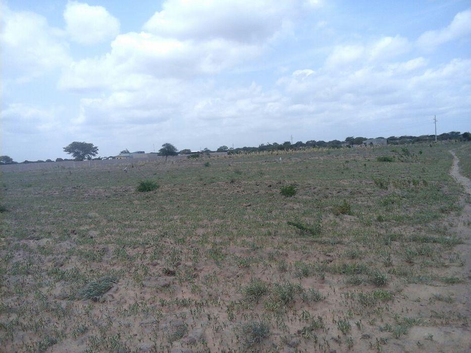 Vende se terreno de 100 / 100 m na mozal beluluane