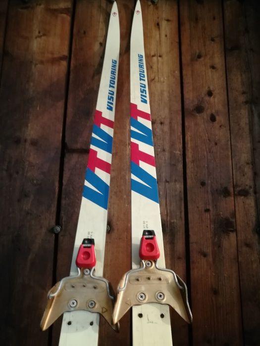 Продам лыжи пластиковые беговые