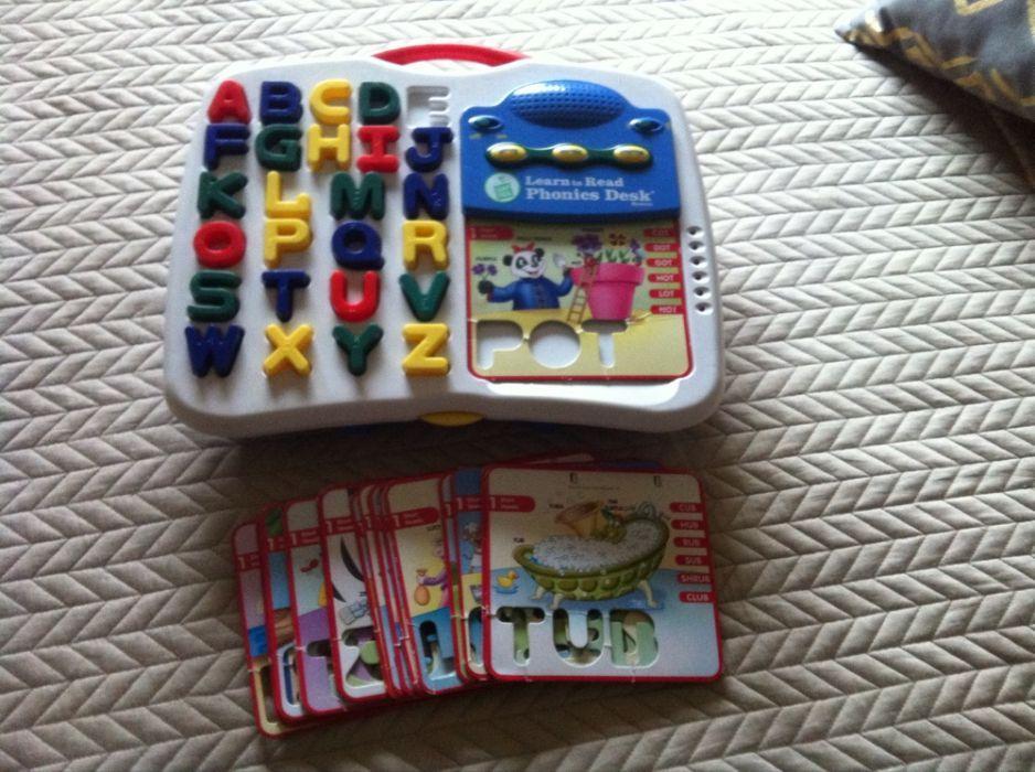 Learn to read phonics, joc in limba engleza.