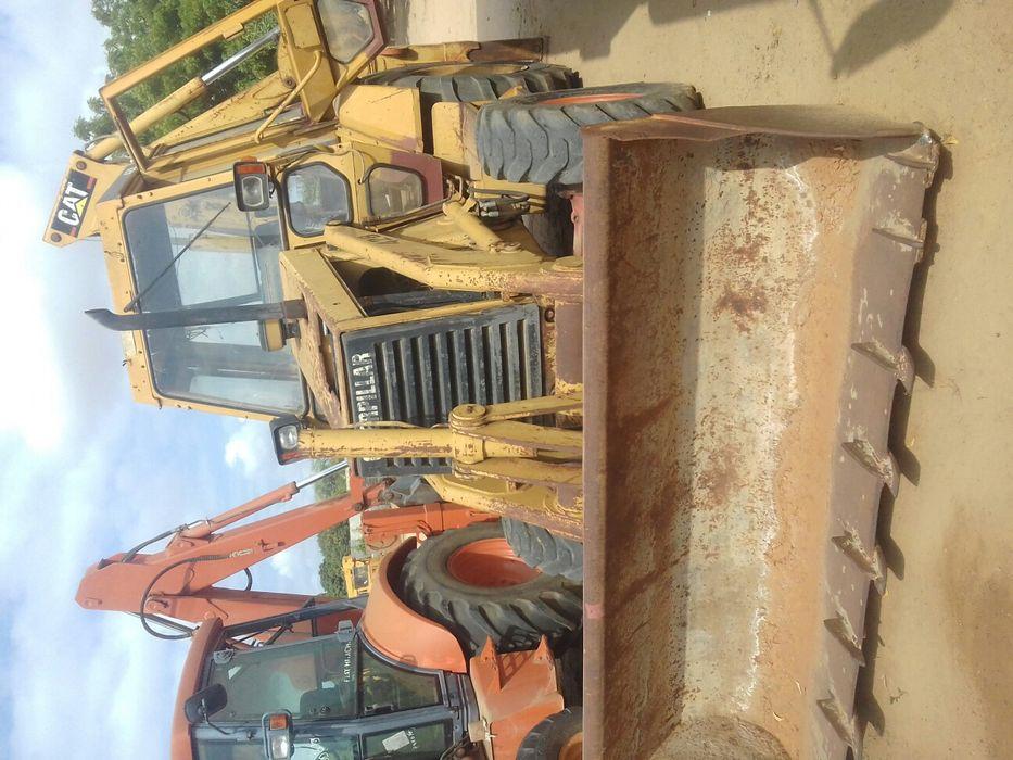 Rectro-Escavadeira Caterpilar 428