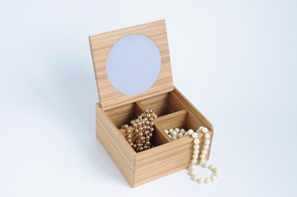 Cutie de bijuterii din lemn de bambus (AveNatura)