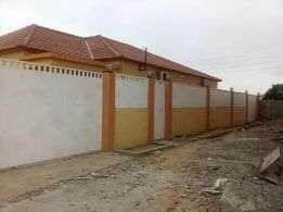 Construimos, rectificamos, residências de varios padrões.