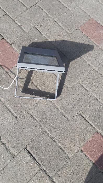 Vand/schimb proiector de exterior (gradina)