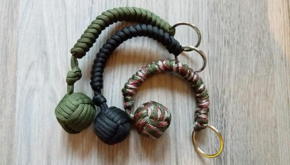 Топче за самозащита с паракорд и метална основа monkey fist