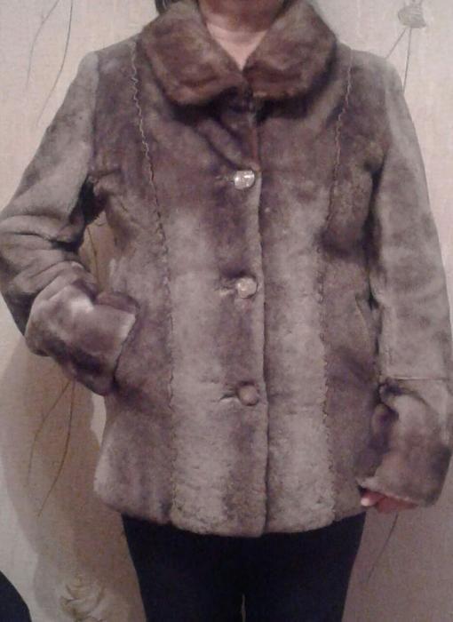 Продам шубу мутон, норковый воротник, размер 48