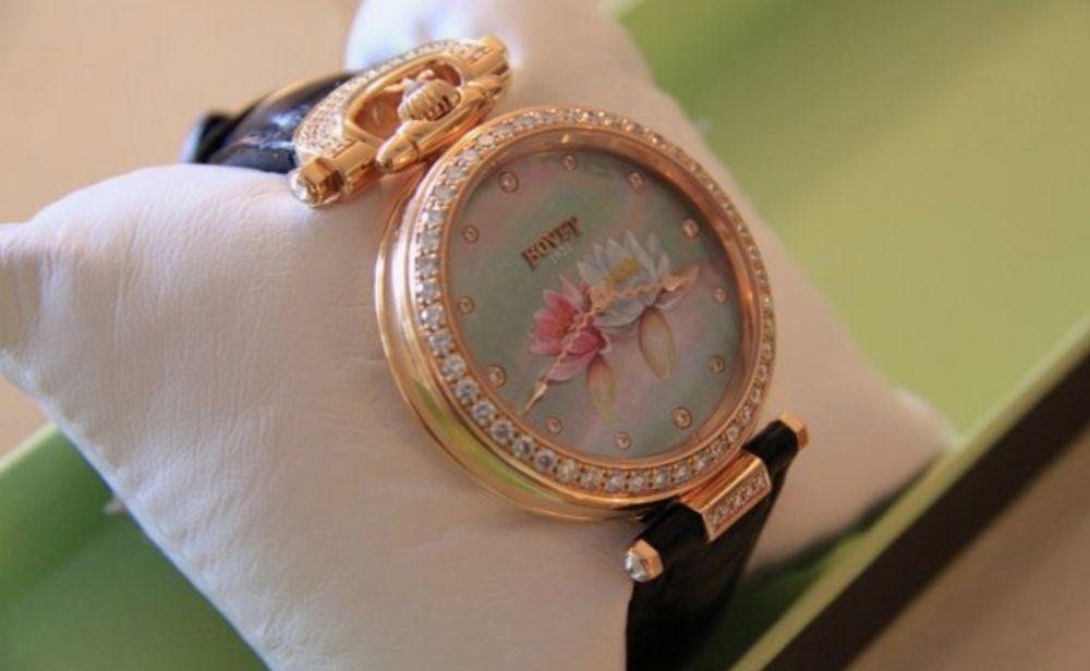 Ceas de lux Bovet Amadeo Fleurier Lotus din Aur Roz 18 k cu diamante