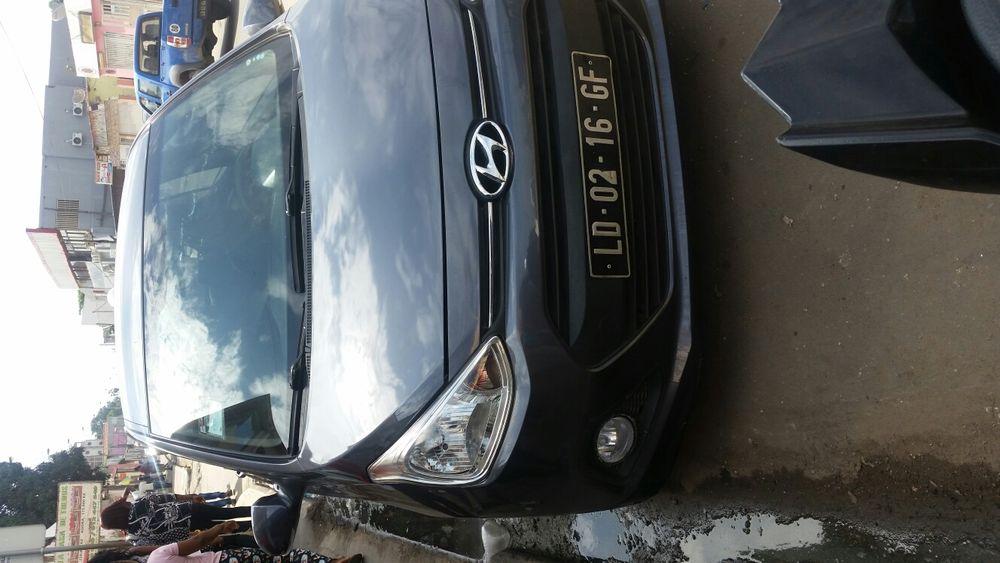 Vendo esse Hyundai Grande I10 1.2 limpo carro Pronto andar Bem bom