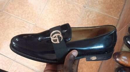Sapato preto da Gucci