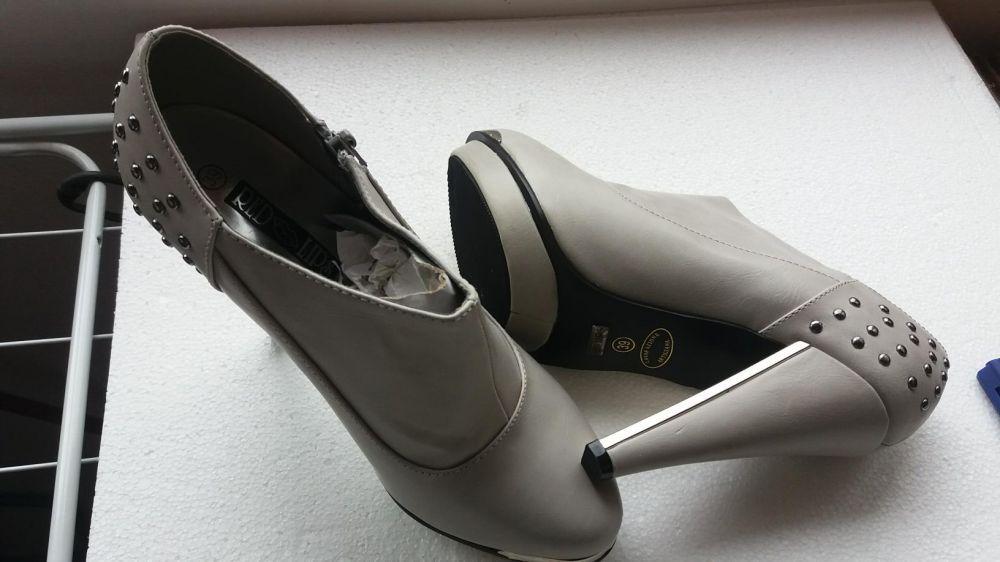Incaltaminte_Dama_Pantofi Toc Inalt_Botine_Leonardo_Red Lips_Marime 39
