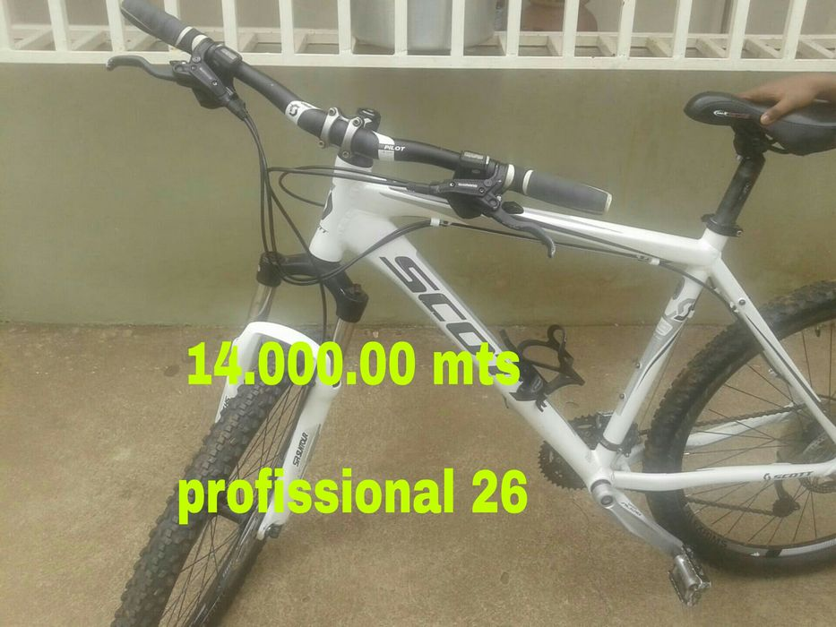 Vende se bicicleta profissional nr 26.