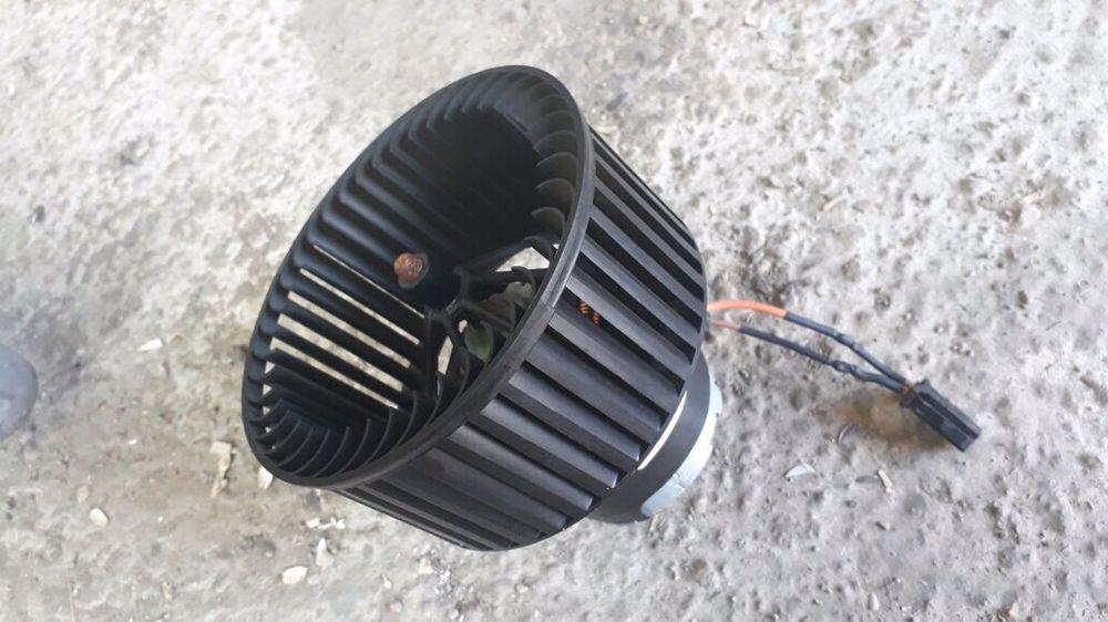 Вентилятор салона BMW Х5 e70,71