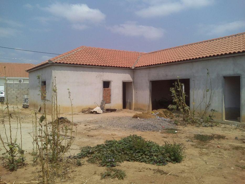 Vende-se esta casa no condomínio Green vilas (patriota)