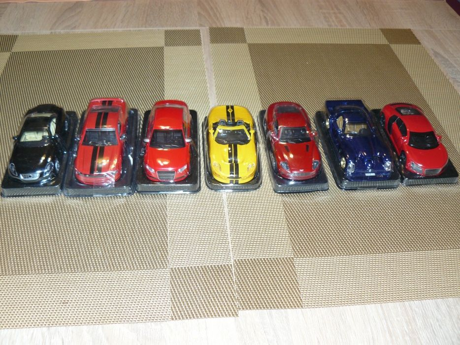 "Machete Auto Sport De Colectie ""AMERCOM"" Scara 1:43,Noi,"