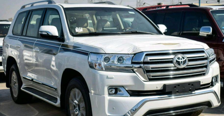 Toyota Land Cruiser V8 Esta A venda