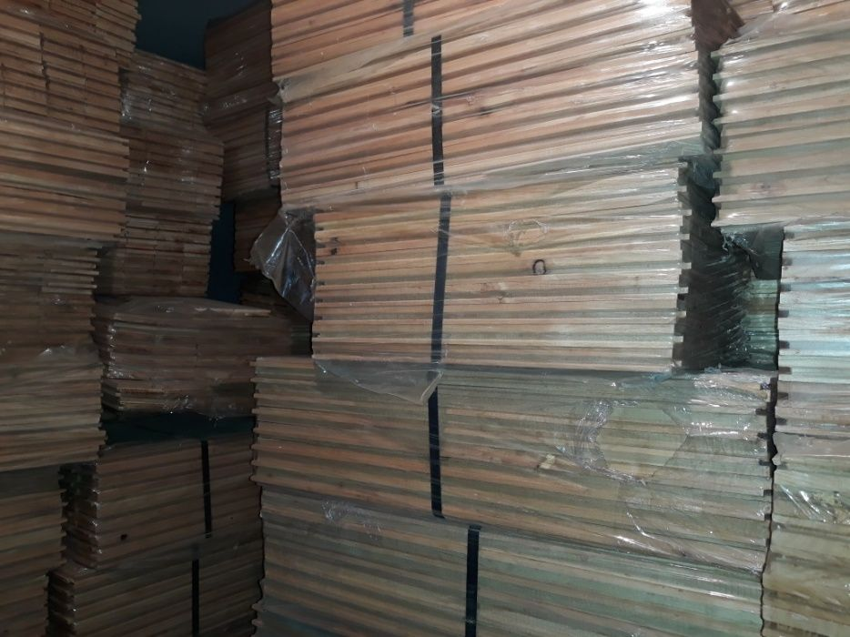 Vând Parchet din lemn masiv CIREȘ