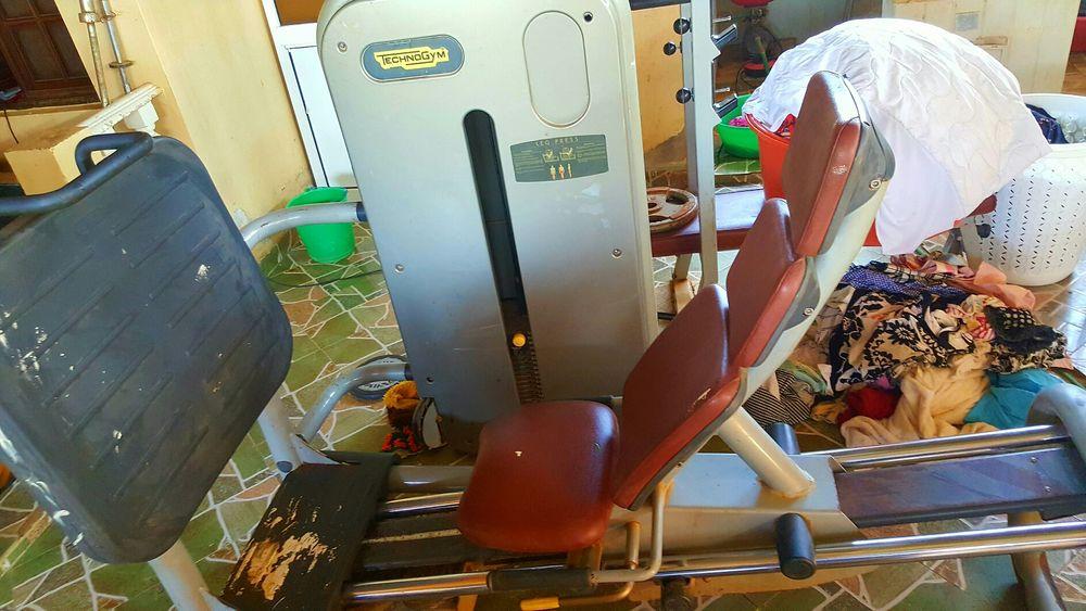 Prensa horizontal (TechnoGym) Maquina para perna