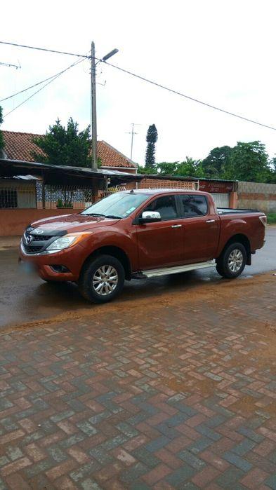 Mazda BT50 3.2 diesel 4x4 impecável Cidade de Matola - imagem 4