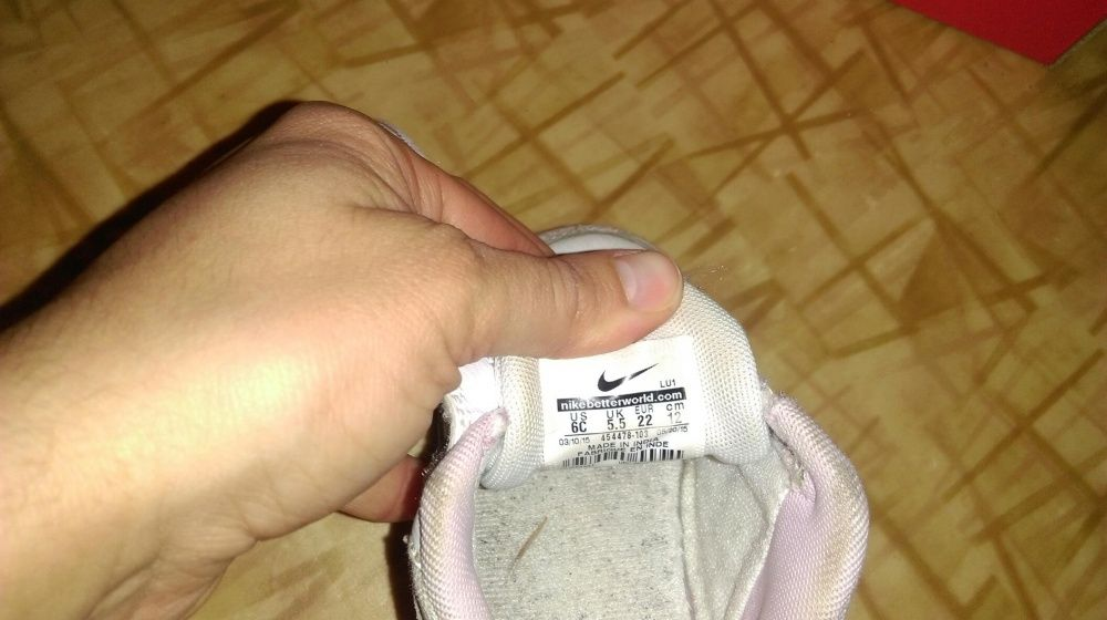 Маратонки на Nike 22 номер
