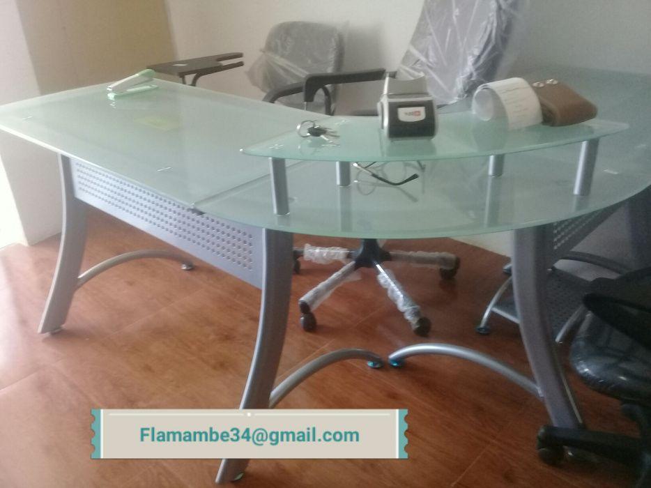 Secretaria administrativa com tampo de vidro. Produto novo na caixa.