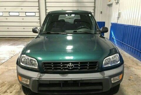 937%214628 vende se Toyota RAV4 familiar